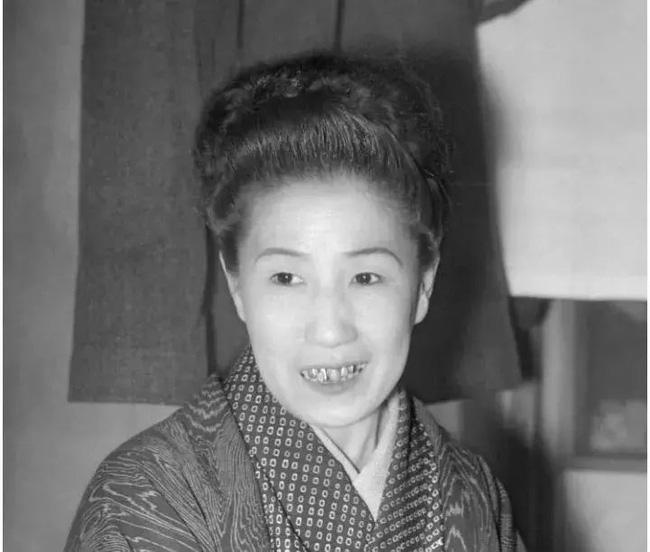 Cuộc đời cùng cực của người phụ nữ từ geisha trở thành gái mại dâm: Bị cưỡng hiếp năm 14 tuổi và trong cơn cuồng ghen bỗng trở thành sát nhân biến thái - Ảnh 5.