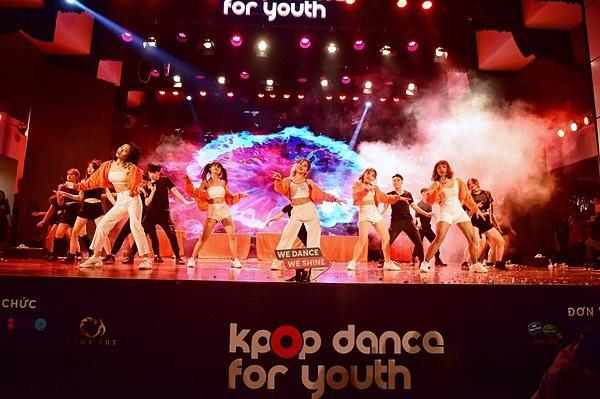 Minh Hằng, Trọng Hiếu nhảy sung trên sân khấu đêm chung kết Kpop Dance For Youth - Ảnh 12.