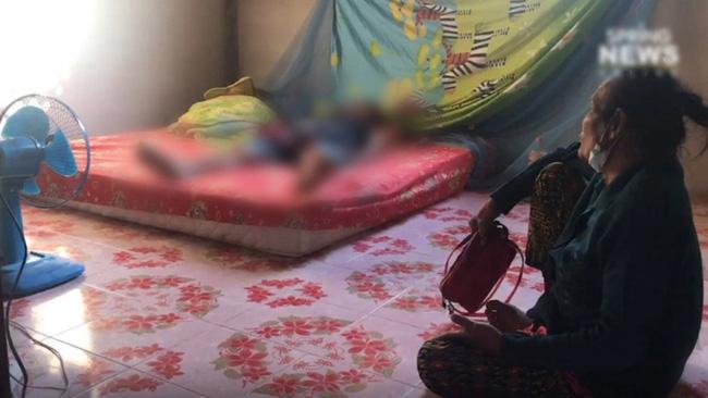 Người phụ nữ 57 tuổi được tìm thấy chết cóng trên giường ngủ, thủ phạm chính được xác định là món đồ được đặt dưới chân nạn nhân - Ảnh 2.