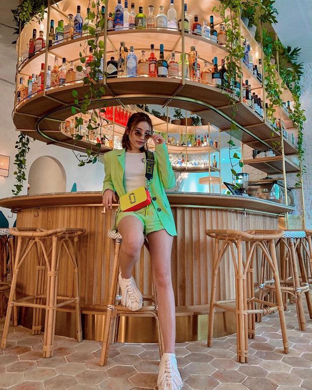 """Con gái của """"bà hoàng Hermes Jamie Chua: Tí tuổi đã mặc đồ hàng hiệu khắp người, mạnh dạn đầu tư kinh doanh thương hiệu phụ kiện riêng - Ảnh 14."""
