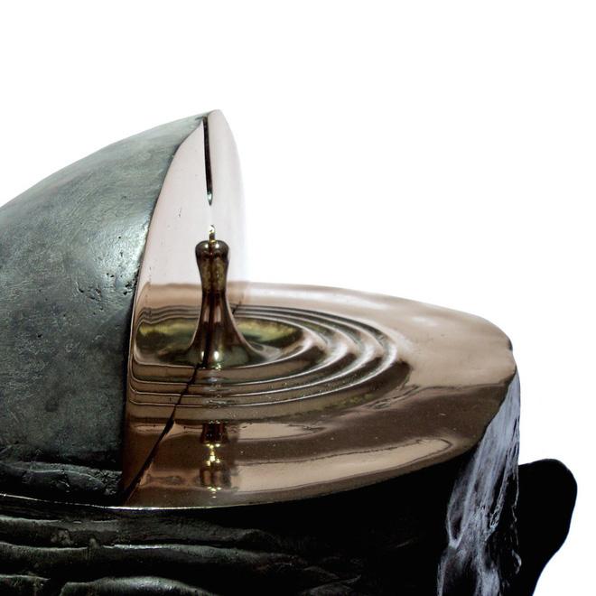 Xẻ đôi những hòn đá - bộ sưu tập bằng đồng này là biểu tượng cho năng lượng bứt phá - Ảnh 7.