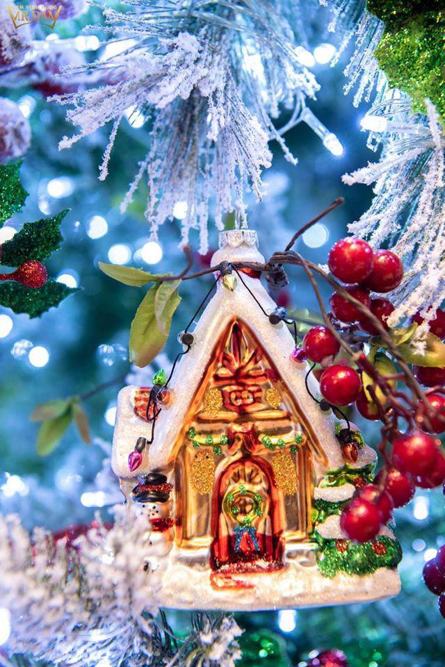 Choáng ngợp sắc màu Noel trong biệt thự 60 tỷ của Đàm Vĩnh Hưng  - Ảnh 9.