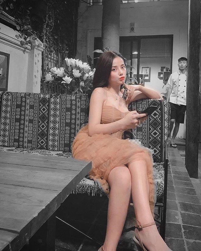 Hình ảnh nóng bỏng của nữ ca sĩ đã khiến thủ môn Lâm Tây yêu say đắm - ảnh 11