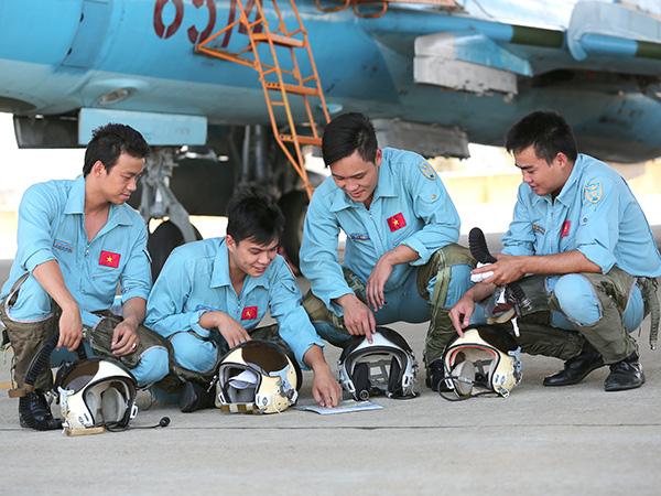 Nâng cao chất lượng huấn luyện, bảo đảm an toàn bay ở Trung đoàn 937 - ảnh 2