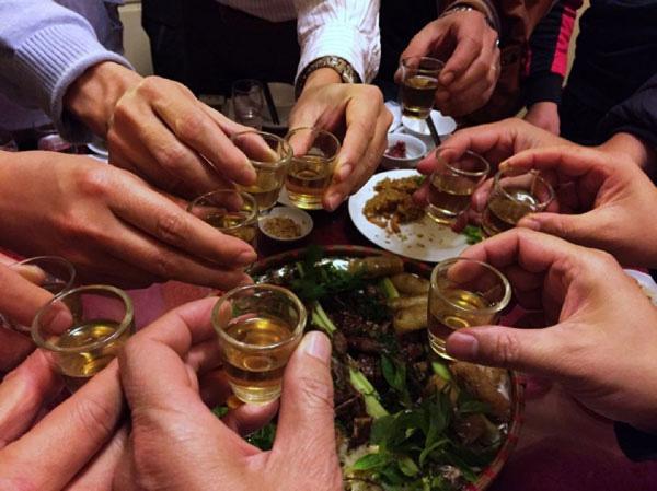 Ung thư và chuyện uống rượu bia: Những con số khiến dân nhậu giật mình thon thót, đàn ông hay phụ nữ cũng không ngoại lệ - Ảnh 3.