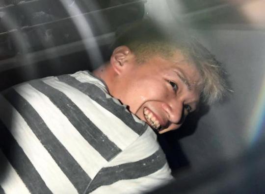 Từ người hiền lành được cả xóm khen ngợi, chàng trai chớp mắt biến thành kẻ giết người hàng loạt luôn nở nụ cười tươi gây ám ảnh Nhật Bản - Ảnh 6.
