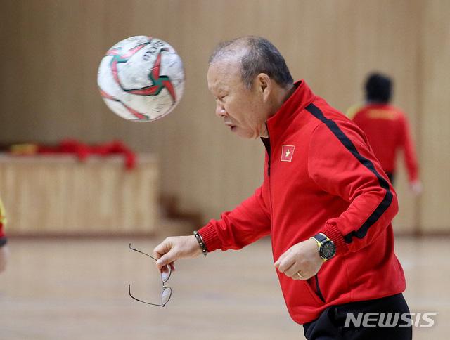 U23 Việt Nam 0-0 Đại học Yeungnam: Trận đấu nhiều thu hoạch của HLV Park Hang-seo - Ảnh 6.