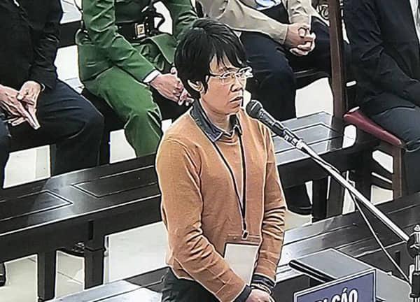 Ngày 3 xử vụ MobiFone mua AVG: Bị cáo Nguyễn Bắc Son không nhớ rõ số tiền 3 triệu USD nhận của Phạm Nhật Vũ dùng vào việc gì - Ảnh 4.
