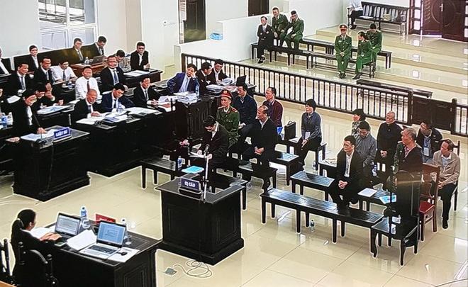 Ngày 3 xử vụ MobiFone mua AVG: Bị cáo Nguyễn Bắc Son không nhớ rõ số tiền 3 triệu USD nhận của Phạm Nhật Vũ dùng vào việc gì - Ảnh 9.