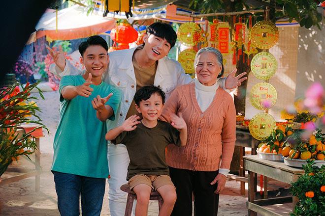 Sơn Tùng M-TP khiến diễn viên lớn tuổi bất ngờ về cách ứng xử khi làm việc chung - Ảnh 10.