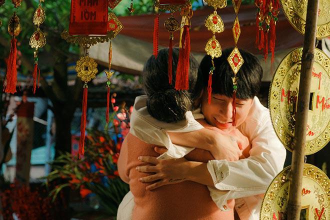 Sơn Tùng M-TP khiến diễn viên lớn tuổi bất ngờ về cách ứng xử khi làm việc chung - Ảnh 9.