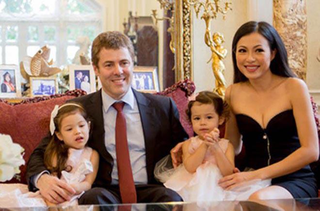 Cuộc sống của hoa hậu nóng bỏng, giàu có nhất Việt Nam và mối tình 10 năm không kết hôn dù có con chung - Ảnh 5.