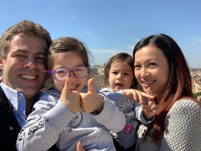 Cuộc sống của hoa hậu nóng bỏng, giàu có nhất Việt Nam và mối tình 10 năm không kết hôn dù có con chung - Ảnh 4.