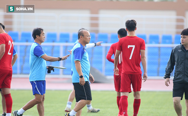 U22 Việt Nam gặp bất lợi nếu trận đấu với Singapore bị hoãn vì lý do bất khả kháng? - Ảnh 1.