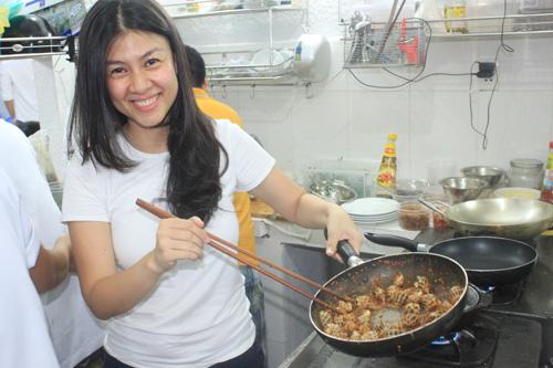 Diễn viên Kim Thư: Từ bà trùm ở nhà 3 triệu USD đến bán xôi, lập nghiệp ở tuổi U40 - Ảnh 7.