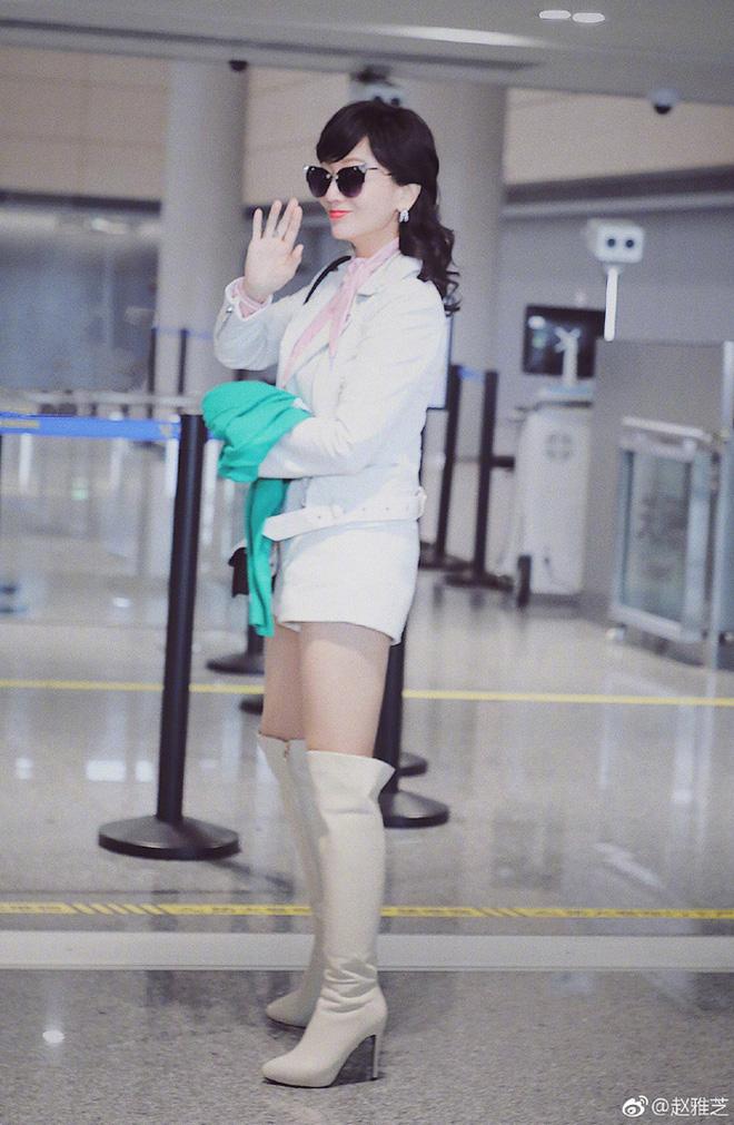 Bức ảnh gây bão Weibo khiến chị em phát hờn: Triệu Nhã Chi U70 và mỹ nhân 36 tuổi trông như 2 thiếu nữ đôi mươi - Ảnh 3.
