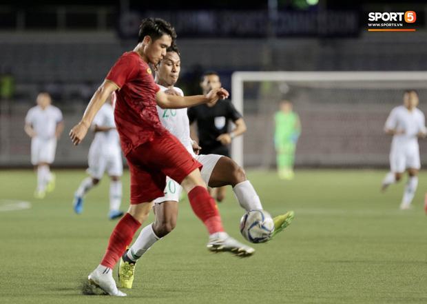 Cầu thủ đẹp trai nhất U22 Việt Nam kêu la đau đớn, gọi đây là khoảnh khắc phút giây sinh tử sau trận thắng U22 Indonesia - Ảnh 1.