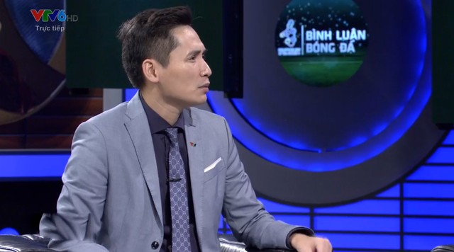 Chiến Thắng, Phan Đăng nói gì khi BLV Quốc Khánh giễu cợt thủ môn Bùi Tiến Dũng trên sóng truyền hình? - Ảnh 1.