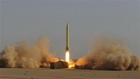 """Iran cảnh báo 20.000 tên lửa sẽ """"nhấn chìm"""" căn cứ quân sự Mỹ trong """"biển lửa - Ảnh 1."""