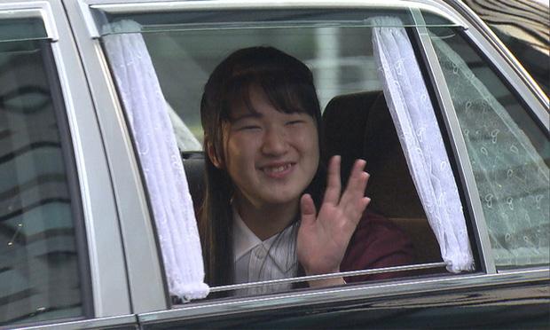 Công chúa Nhật Bản xuất hiện rạng rỡ khi vừa tròn 18 tuổi, dù không hàng hiệu sang chảnh nhưng vẫn nổi bật nhờ một loạt ưu điểm - Ảnh 2.