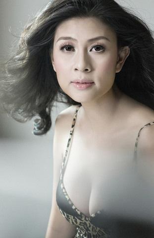 Diễn viên Kim Thư: Từ bà trùm ở nhà 3 triệu USD đến bán xôi, lập nghiệp ở tuổi U40 - Ảnh 1.
