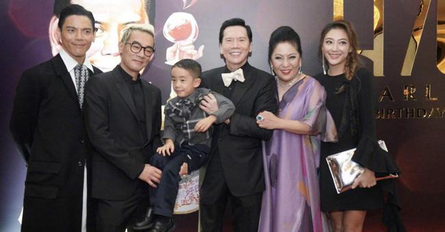 Bố chồng tình cũ Phùng Thiệu Phong: Từ diễn viên ít tên tuổi bên cạnh Châu Nhuận Phát tới ông trùm xã hội đen khiến cả giới giải trí Hoa ngữ khiếp sợ - Ảnh 5.