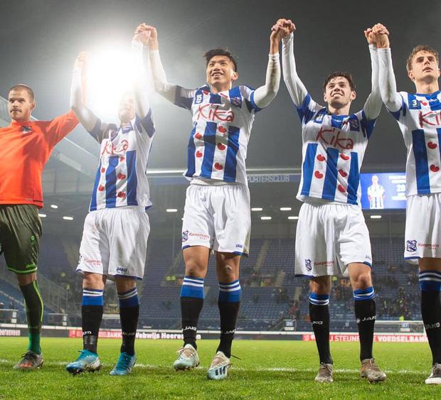 Báo Hà Lan hoài nghi về màn ra mắt của Văn Hậu tại SC Heerenveen: Có tác động của lãnh đạo, không hoàn toàn vì chuyên môn? - Ảnh 2.