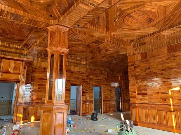 Xuất hiện căn nhà lát gỗ toàn bộ đến cả nội thất, dân mạng há miệng trầm trồ nhưng không ai dám mạnh dạn định giá - Ảnh 1.