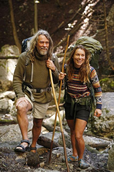 Chán phố thị, cặp đôi bỏ lên núi sống như người rừng và những trải nghiệm hoang dã khiến dân văn phòng chỉ biết ngồi mơ - Ảnh 2.
