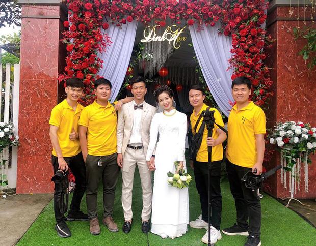 Vợ Phan Văn Đức xinh đẹp trong đám hỏi, khoe dàn phù dâu nhan sắc không phải dạng vừa - Ảnh 4.