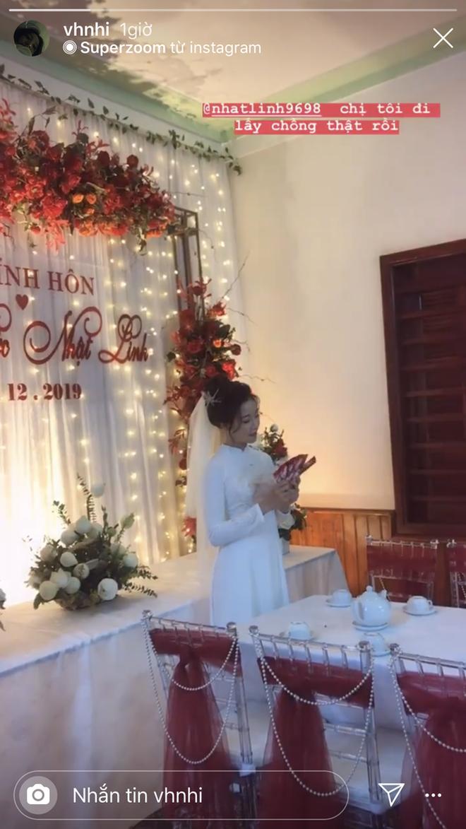 Vợ Phan Văn Đức khoe vàng treo kín tay, trĩu cổ sau đám hỏi, còn vui vẻ: Lấy chồng cho bằng bạn bằng bè! - Ảnh 2.