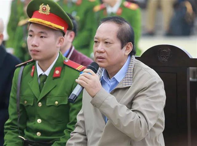 Ngày 5 xử vụ AVG: Con rể cựu Bộ trưởng Nguyễn Bắc Son hứa 8h sáng thứ 2 sẽ nộp 12,5 tỷ đồng khắc phục hậu quả - Ảnh 4.