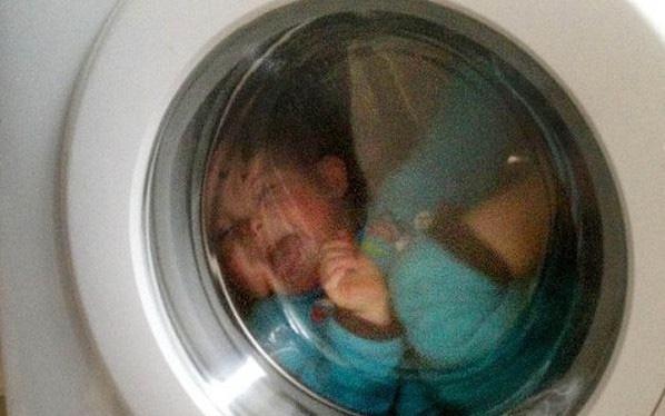 Phát hiện thi thể bất động của bé trai 2 tuổi trong máy giặt nhà hàng xóm hé lộ chân dung đáng sợ của một kẻ điên tình - Ảnh 1.