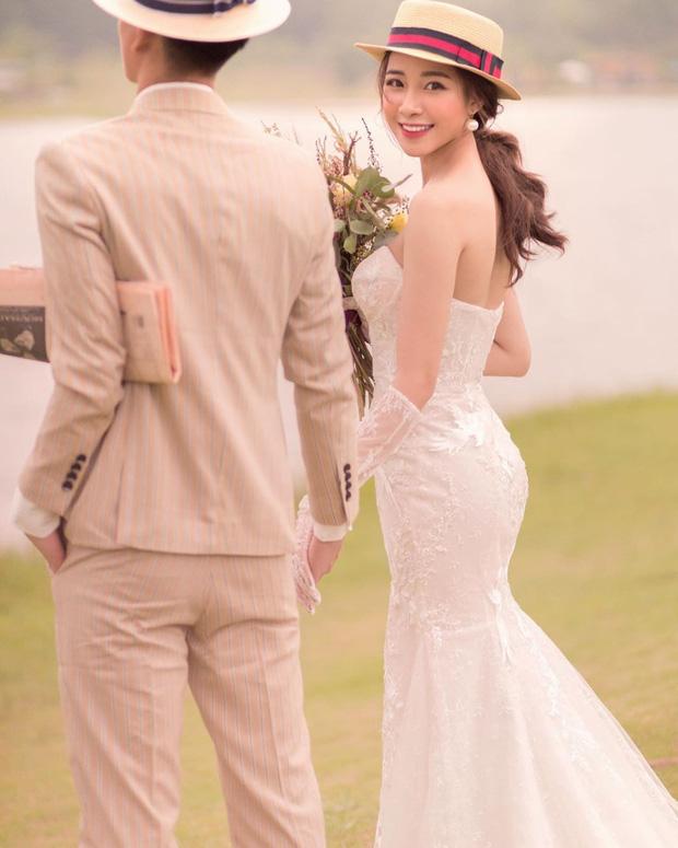 Vợ Phan Văn Đức khoe vàng treo kín tay, trĩu cổ sau đám hỏi, còn vui vẻ: Lấy chồng cho bằng bạn bằng bè! - Ảnh 6.