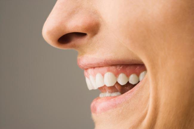 Nhận biết tình trạng sức khỏe qua các dấu hiệu của miệng - Ảnh 10.