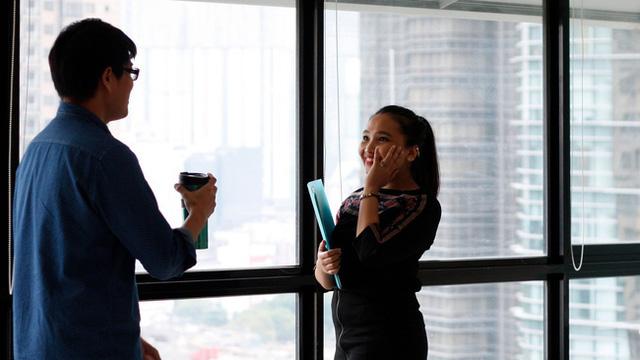 Muốn được yêu mến và dễ đi đến thành công, dân văn phòng nên học theo Shark Linh để phát triển loại kỹ năng này - Ảnh 1.