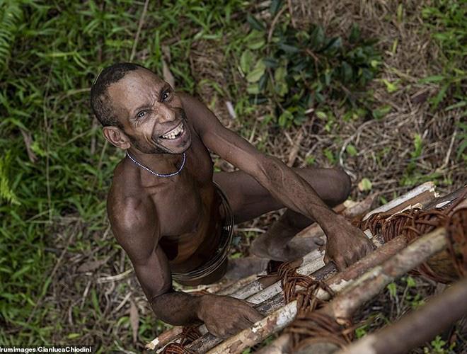 Hình ảnh hiếm hoi về người Korowai - bộ lạc mà thế giới suýt không biết đang tồn tại - Ảnh 11.