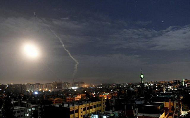 CẬP NHẬT: Máy bay tối tân của Mỹ áp sát Syria - Israel khiến PK Syria xoay như chong chóng - Ảnh 21.