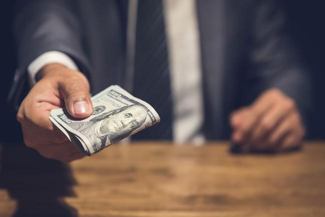 Từ câu chuyện Vàng là thứ khủng khiếp nhất đến bài học giúp thức tỉnh hội công sở xem tiền là chân lý - Ảnh 1.