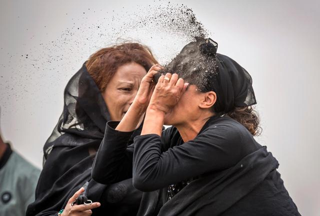 Nhìn lại năm 2019 qua những hình ảnh đầy xúc động - Ảnh 5.