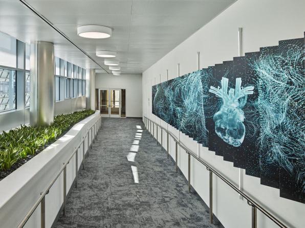 Cùng xem thiết kế tân tiến của một trong những tòa nhà tự cung cấp năng lượng lớn nhất thế giới - Ảnh 2.