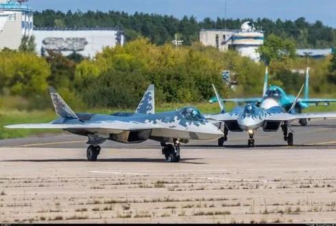 Lộ nguyên nhân bất ngờ khiến tiêm kích tàng hình Su-57 Nga rơi - Ảnh 2.