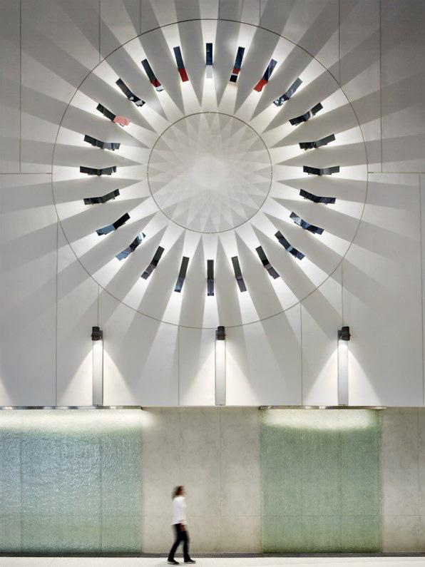 Cùng xem thiết kế tân tiến của một trong những tòa nhà tự cung cấp năng lượng lớn nhất thế giới - Ảnh 3.