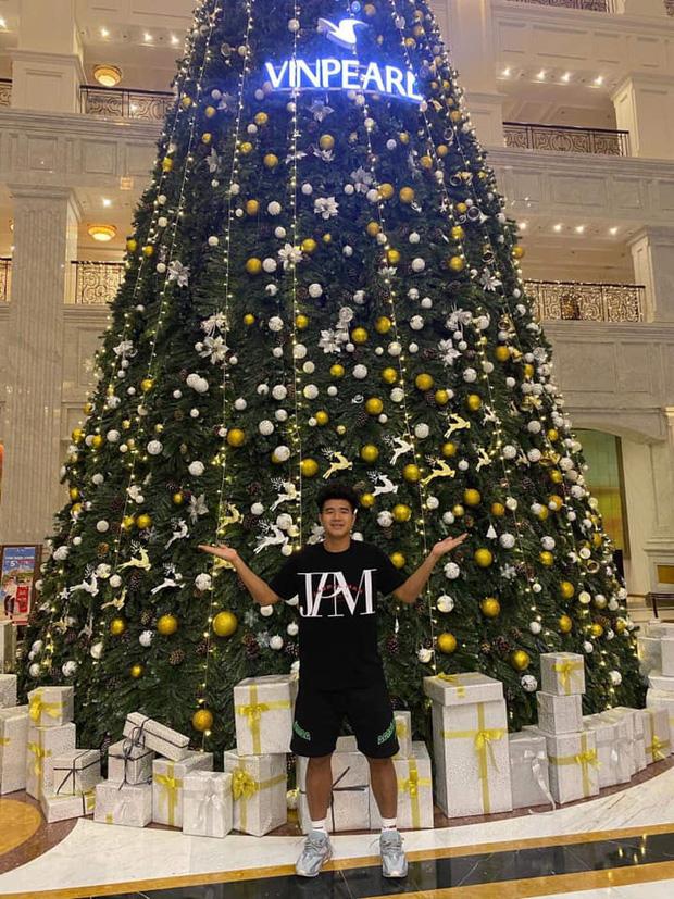 Quang Hải, Đức Chinh cùng gửi lời chúc Giáng sinh, fan lại soi ra hai chàng viết giống nhau đến từng dấu phẩy - Ảnh 5.