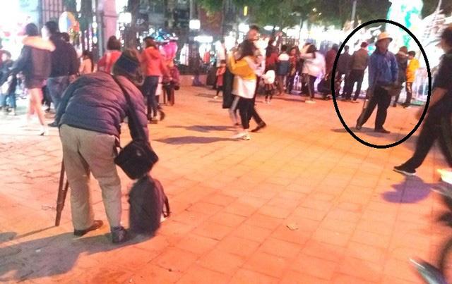 Hàng chục người ăn xin bủa vây Nhà thờ lớn Hải Dương trước đêm Noel - Ảnh 6.