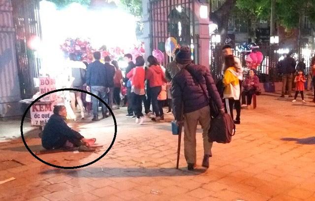 Hàng chục người ăn xin bủa vây Nhà thờ lớn Hải Dương trước đêm Noel - Ảnh 7.