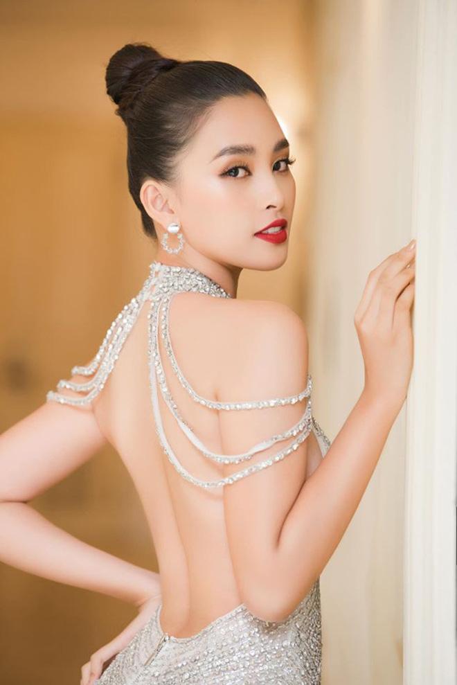 Hoa hậu Trần Tiểu Vy bất ngờ khoe ảnh bikini đầy nóng bỏng - Ảnh 9.