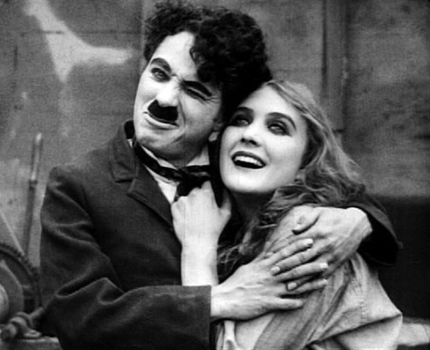 Bức thư đêm Giáng sinh 1965 Vua hài Charlie Chaplin gửi con gái: 40 năm bố đã mua vui cho mọi người trên trái đất, nhưng bố khóc nhiều hơn họ cười con yêu ạ! - Ảnh 1.