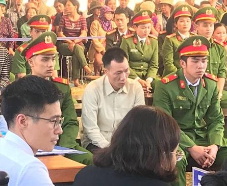 Xét xử vụ nữ sinh giao gà ở Điện Biên: Bùi Văn Công cho rằng chủ mưu còn đang nhởn nhơ ngoài xã hội... - Ảnh 7.