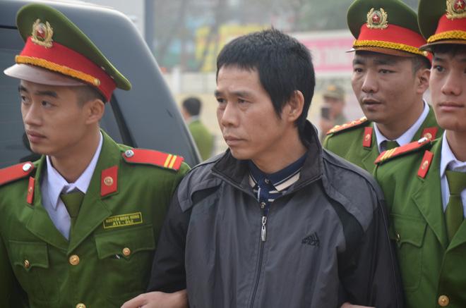 Xét xử vụ nữ sinh giao gà ở Điện Biên: Bùi Văn Công cho rằng chủ mưu còn đang nhởn nhơ ngoài xã hội... - Ảnh 17.